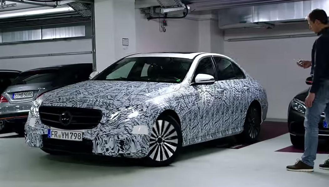 Показана новая дистанционная парковочная система Mercedes-Benz E-Class