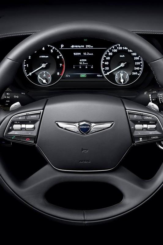 Genesis G90 официальное фото интерьера - рулевое колесо
