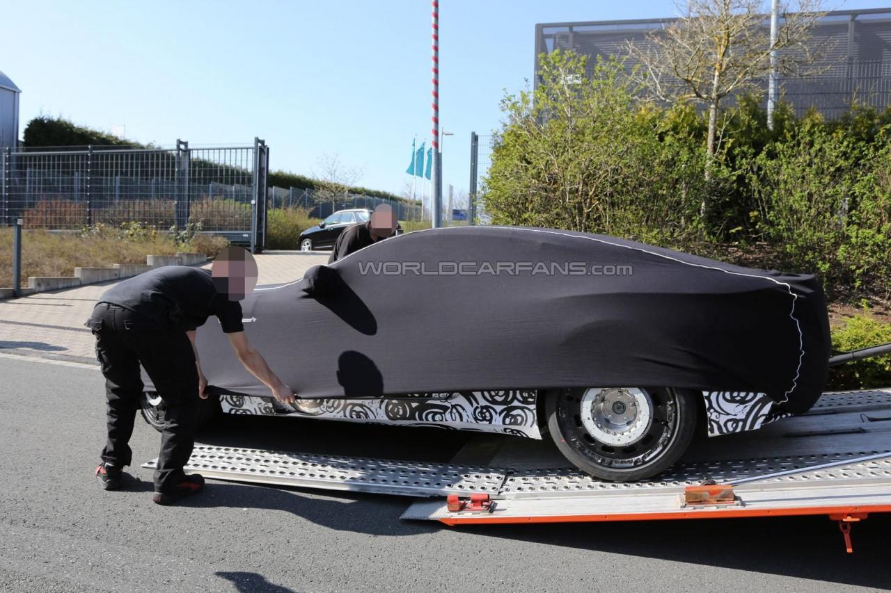 Aston Martin DB11 шпионские фото