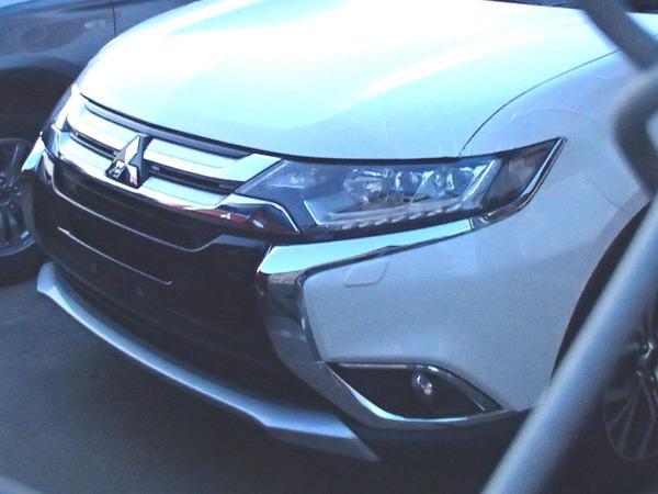 Рестайлинговый Mitsubishi Outlander шпионское фото