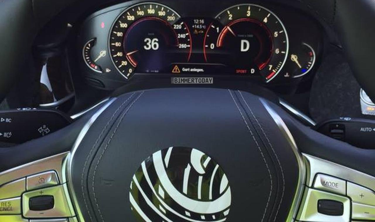 Появилось фото рулевого колеса и панели приборов BMW 7-Series 2016