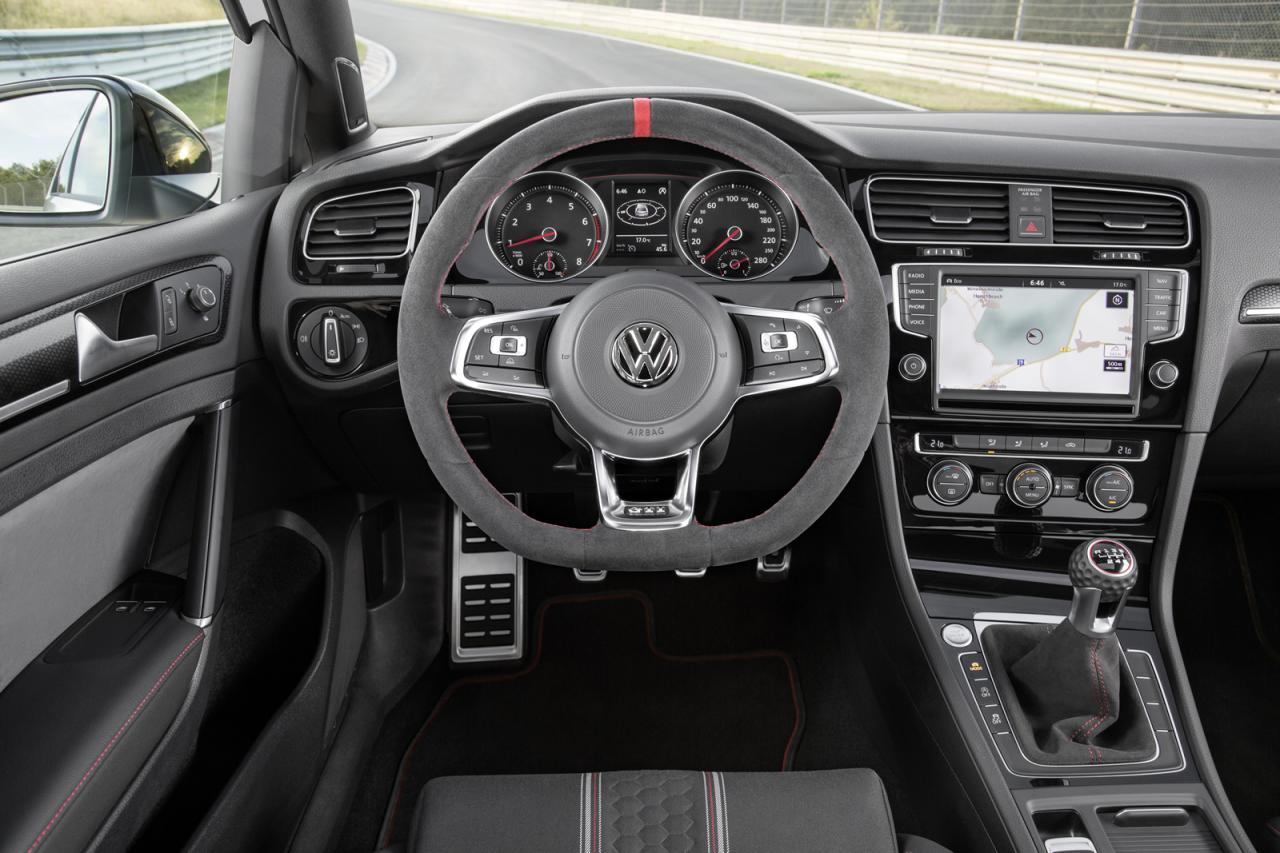 Volkswagen-Golf-GTI-Clubsport-8