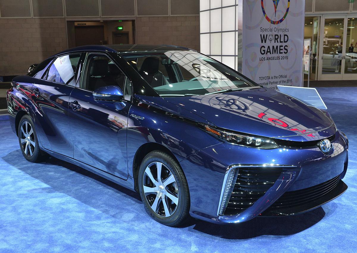 Продажи Toyota Mirai в Японии начнутся через неделю