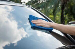 5 советов по обслуживанию лобового стекла автомобиля