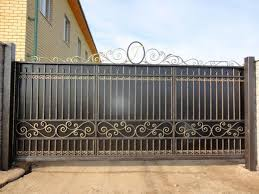 Откатные ворота: плюсы и минусы